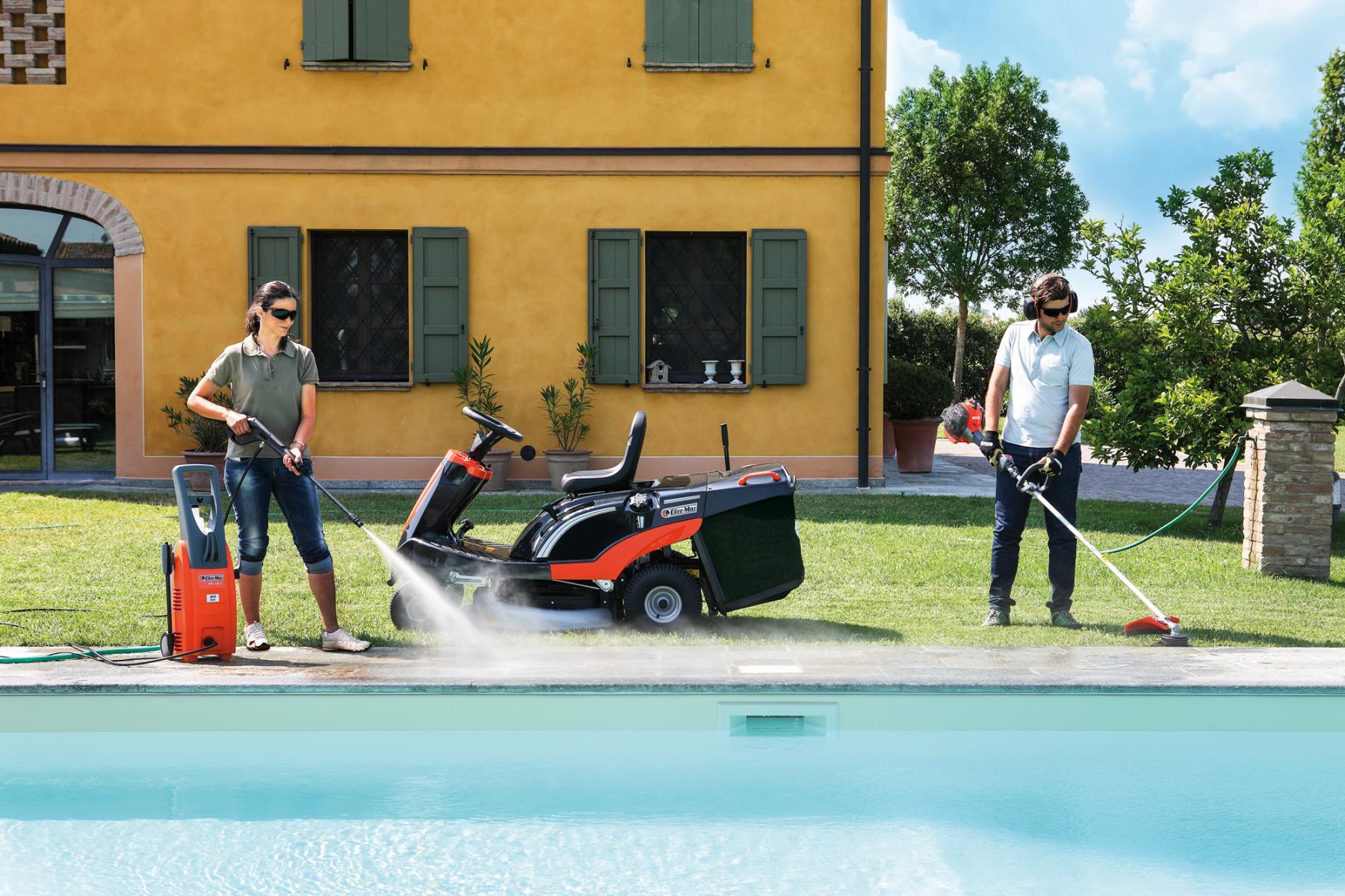 Тример и Храсторез Oleo Mac и градински трактор за косене