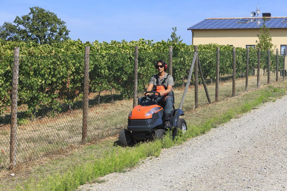 Градински трактор за косене Oleo Mac